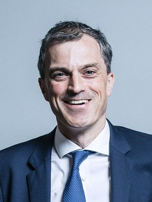 Official portrait of Julian Smith crop 2.jpg