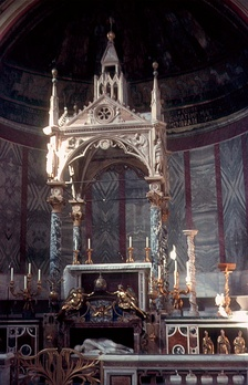 Altar of Santa Cecilia in Trastevere, erected in 1700 and still used today. It faces both east and versus populum (towards the people).