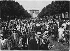 French people in Paris, August 1944