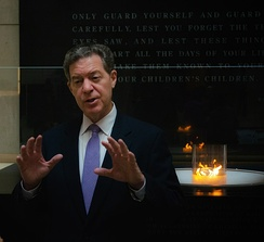 Brownback speaks at the Holocaust Museum in 2018