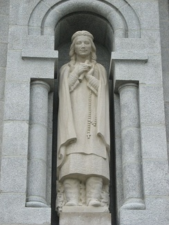 Statue of Kateri Tekakwitha by Joseph-Émile Brunet at the Basilica of Sainte-Anne-de-Beaupré, near Quebec City.