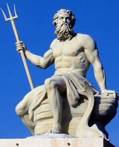 Скульптура греческого/римского Бога Посейдона/Нептуна в порту Копенгагена