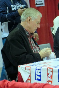 Lilly signs autographs in 2014.