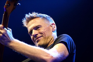 Bryan Adams Hamburg MG 0631 flickr.jpg