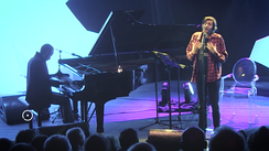 Salvador Sobral, accompanied by pianist Júlio Resende, in the FOLIO festival in Óbidos, singing poems by Alexander Search (one of Fernando Pessoa's heteronyms).