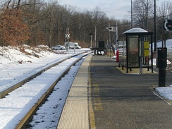 Mount Olive station facing eastward. There is no signage on the platform for the station name