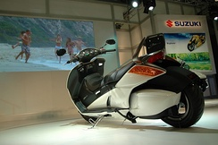 Suzuki Gemma prototype scooter at the 2007 Tokyo Motor Show