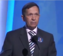 Ohio Congressman Dennis Kucinich addresses the Convention audience on August 26, 2008