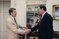 Shelby greeting President Ronald Reagan in 1988