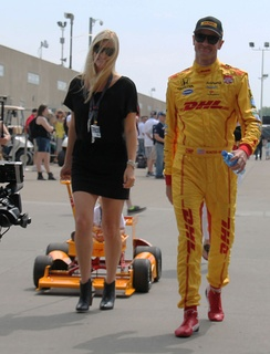 Hunter-Reay with his wife, Beccy Gordon