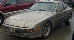 Porsche 944 (USA), showing the different front bumper