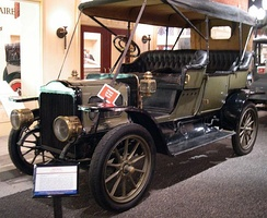 White Steam touring car (1909)
