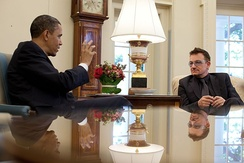 Bono meeting with US President Barack Obama in 2010.