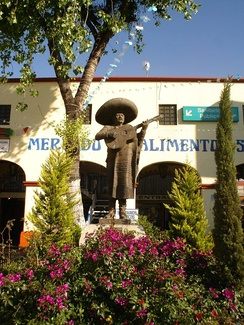 Monument to the mariachi in Plaza Garibaldi, Mexico City.