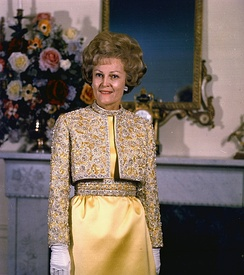 Pat Nixon posing in the White House, 1970