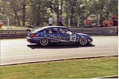 Will Hoy driving for Ford Mondeo Racing in the 1998 British Touring Car Championship