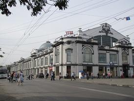 Здание крытого рынка (построено в 1916 году по проекту архитектора В.А.Люкшина)