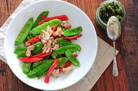 Italian stir fry with snow peas, red peppers and chicken