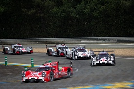 The former LMP1 class competitors, the Porsche 919 Hybrid and Audi R18 e-tron Quattro.