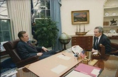 Robertson meets with President George H. W. Bush in 1991