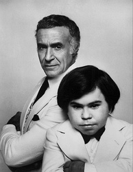 Ricardo Montalbán as Mr. Roarke and Hervé Villechaize as Tattoo in a publicity still for the television movie Return to Fantasy Island