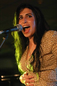 Winehouse performing live in July 2004