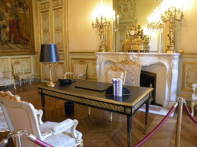 The desk of the President in the Cabinet du Départ