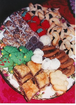 Traditional holiday cookie tray