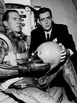 "Robert Bray and Burr in ""The Case of the Angry Astronaut"" (1962)"
