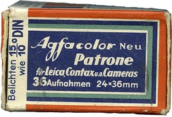 "A box of Agfacolor Neu with the instruction ""expose as 15/10° DIN"" (in German)."