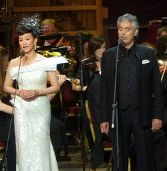 Andrea Bocelli and Song Zuying performing Time to Say Goodbye at the East Meets West concert.