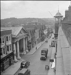 Guildford High Street in 1945