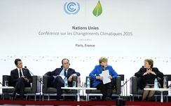 The heads of delegations from left to right: Enrique Peña Nieto, François Hollande, Angela Merkel, Michelle Bachelet at the 2015 United Nations Climate Change Conference.
