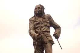 A statue of Dedan Kimathi, a Kenyan rebel leader with the Mau Mau who fought against the British colonial system in the 1950s.
