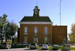 Lewis County Courthouse in Monticello