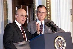 President Bush and Yeutter at a briefing of the National Association of Agricultural Journalists, in 1990.