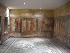 Wall paintings and floor mosaics in Zeugma