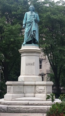 Statue on University of Chicago campus