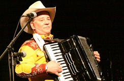 "Joey Miskulin, an inductee of the International Polka Association's Hall of Fame, performing as ""Joey the Cowpolka King"""
