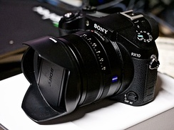 Sony Cyber-shot DSC-RX10 is a bridge camera that sports a 1 inch sensor and a Carl Zeiss lens.