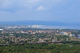 Thunder Bay, Ontario is home to 14,510 people of Finnish descent, the highest concentration of Finnish Canadians per capita in the country,[12] and the second largest Finnish population in Canada after Toronto which has 14,750 persons of Finnish origin.