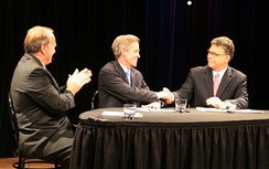 Barkley at a debate with Norm Coleman and Al Franken in 2008