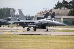 F15 Eagle - RAF Lakenheath July 2009 (3717331964).jpg