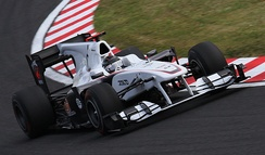 Heidfeld driving for Sauber at the 2010 Japanese Grand Prix