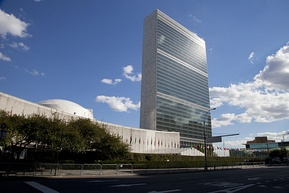 The United Nations Headquarters was built in Midtown Manhattan in 1952.[379]