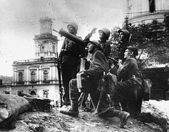 Polish soldiers with anti-aircraft artillery near the Warsaw Central Station in the first days of September 1939.
