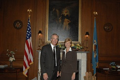 Whitman with Dirk Kempthorne in May 2008