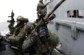 Polish JW Grom with US Navy SEALs