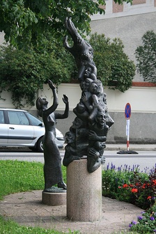 1997 Monument to those burned by Petrus Zwicker in Steyr in 1397.