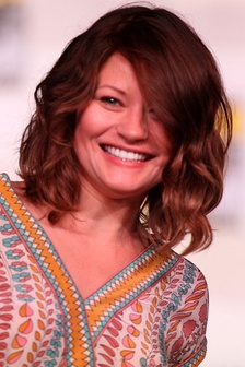 "Emilie de Ravin, who portrayed Belle, described her character as someone who would ""do anything basically for her father, but also her friends and family in general, and that's what she does. She has this chance where she's always wanted to be brave and make a change and do something different and not just sit around in the confinement of her castle and her simple life.""[1]"